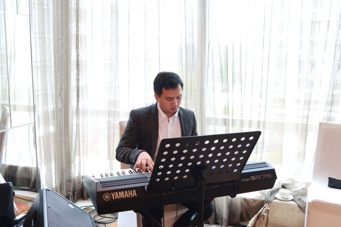 Entertainment Sangjit Raffles Hotel Jakarta - Double V Entertainment by Raffles Jakarta - 003