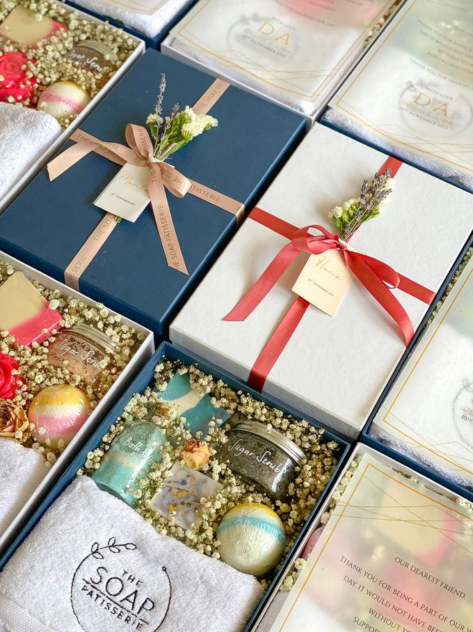 Bridesmaids and Groomsmen Gift Boxes for Delon & Aida by The Soap Patisserie - 002