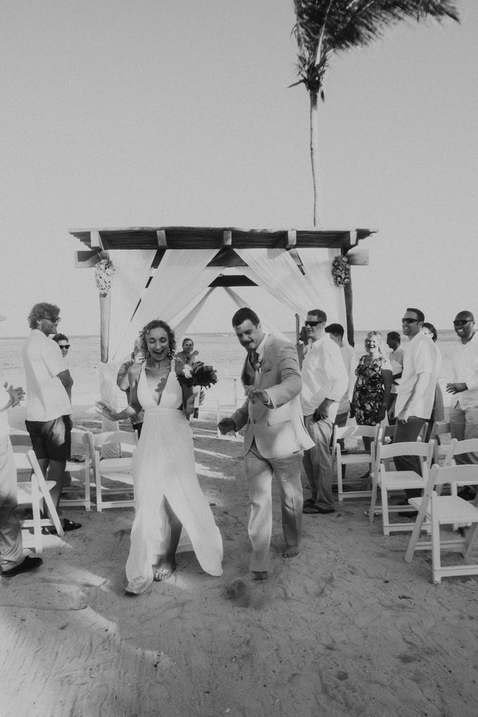 Weddingday Mr & Mrs Battie by Topoto - 001