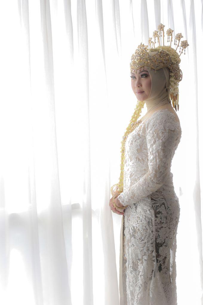 Sunda Hijab Siger by Arum Ndalu Sanggar Rias Pengantin - 004