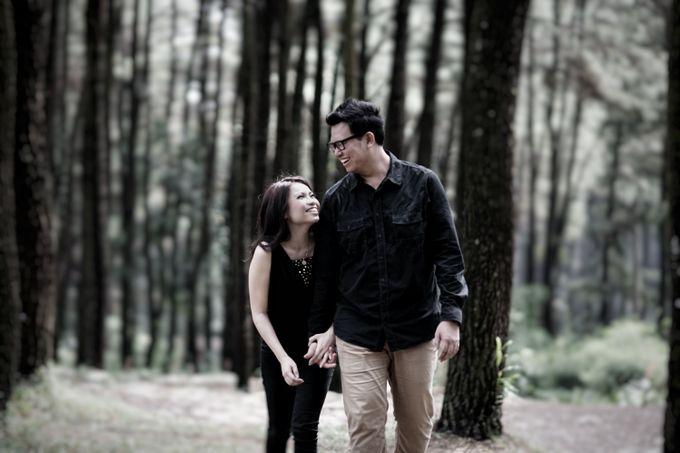 Stefanie Gatot Prewedding At Gunung Pancar By Monolog Photography