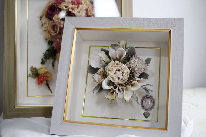 Classic Small Bouquet by Camila V Flower Preservation Studio - 001