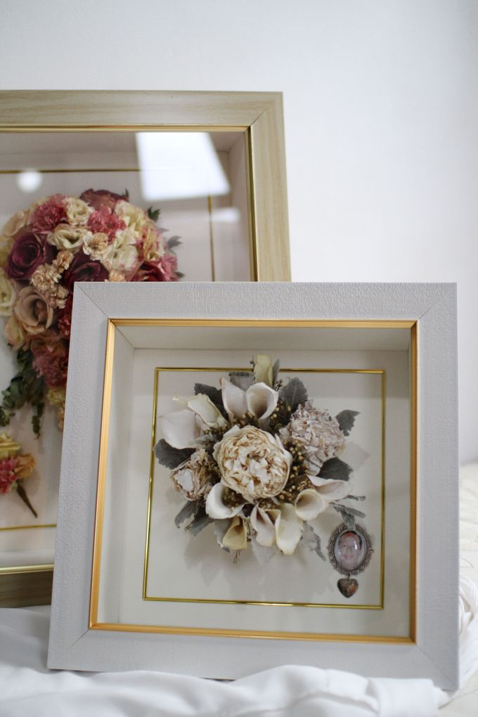 Classic Small Bouquet by Camila V Flower Preservation Studio - 002