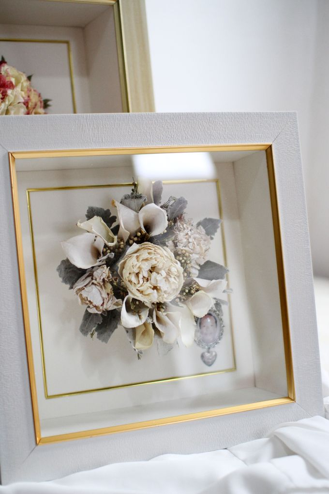 Classic Small Bouquet by Camila V Flower Preservation Studio - 005