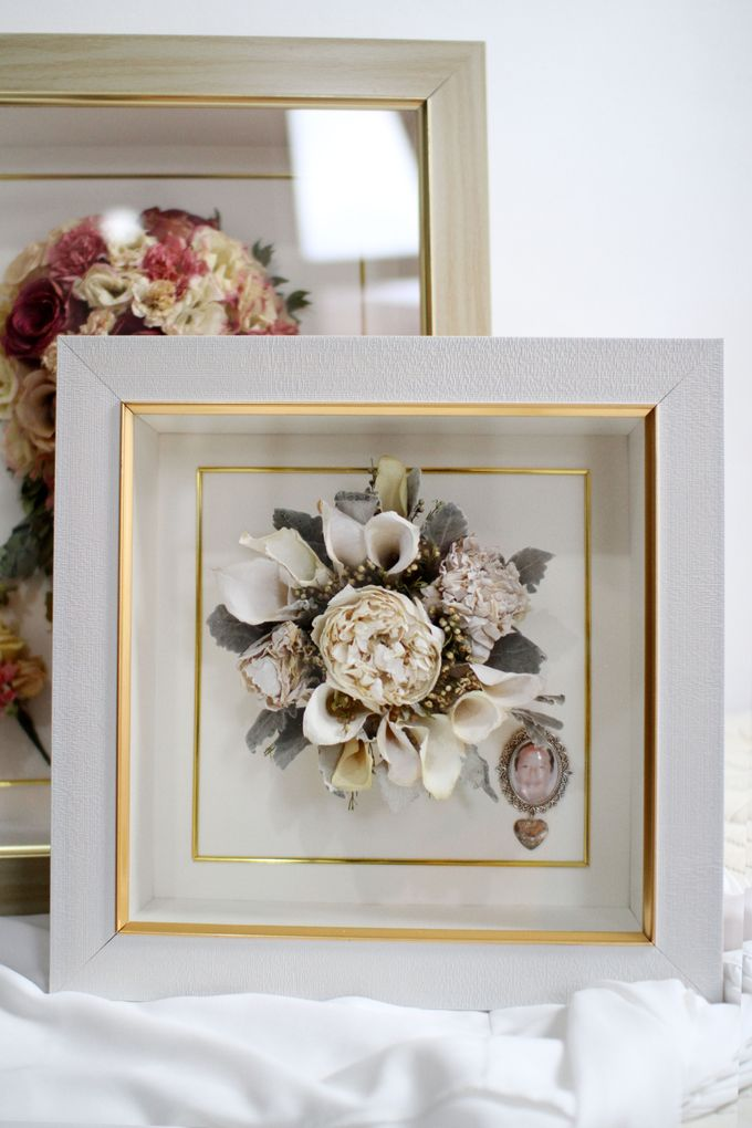 Classic Small Bouquet by Camila V Flower Preservation Studio - 004