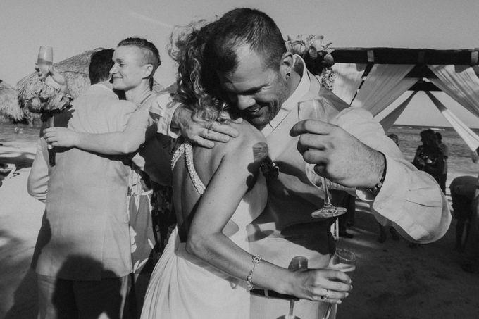 Weddingday Mr & Mrs Battie by Topoto - 002