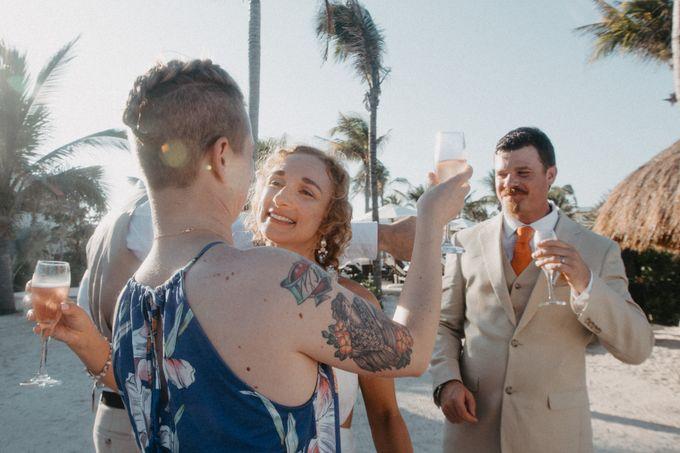 Weddingday Mr & Mrs Battie by Topoto - 003