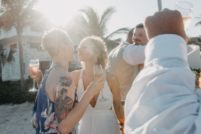 Weddingday Mr & Mrs Battie by Topoto - 004