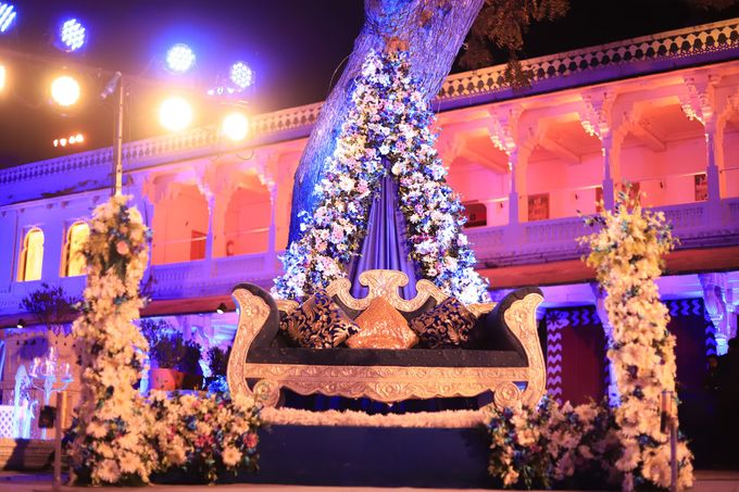 Destination wedding at Taj Aravali with beautiful surrounding by Wedding By Neeraj Kamra - 010