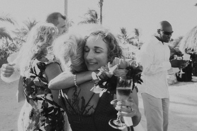 Weddingday Mr & Mrs Battie by Topoto - 005