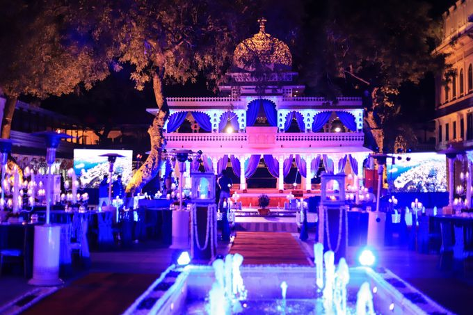 Destination wedding at Taj Aravali with beautiful surrounding by Wedding By Neeraj Kamra - 011