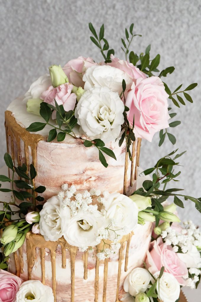 Three Tiered Rustic with Flower Combination and Gold by KAIA Cakes & Co. - 004