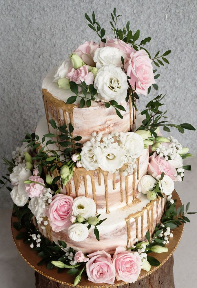 Three Tiered Rustic with Flower Combination and Gold by KAIA Cakes & Co. - 006
