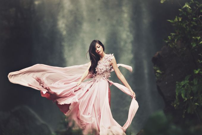 FLOWY DRESS IN THE WIND by natalia soetjipto - 002