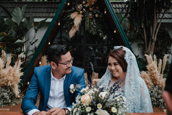 The Wedding of Anjwn & Wahyudin by Daydreaming Works - 007