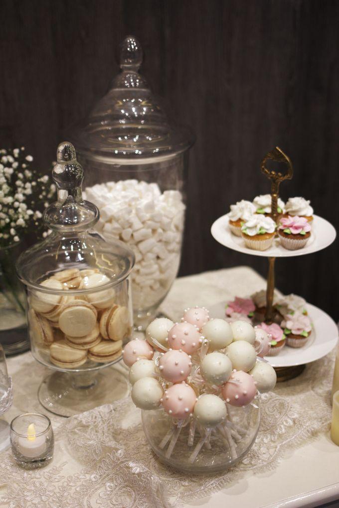 Romantic Dessert Table by Gordon Blue Cake - 014
