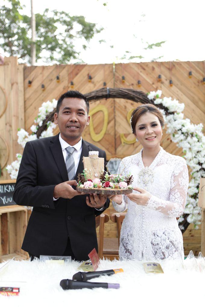 The Wedding of Supri & Delvi ❤️ by Favor Brides - 009