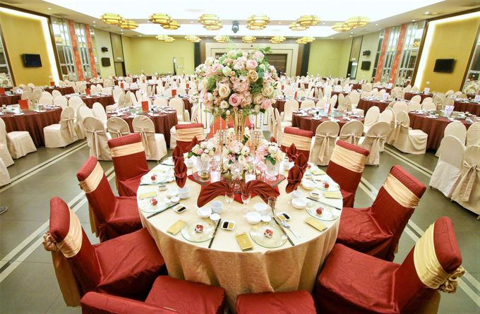 Blush Pink & Glamorous Gold Wedding by Glitz&Glam Studiobooth - 007
