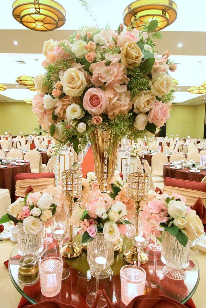 Blush Pink & Glamorous Gold Wedding by Glitz&Glam Studiobooth - 008