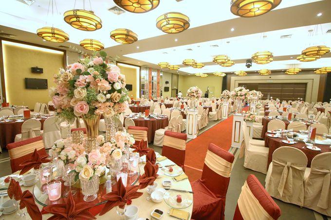Blush Pink & Glamorous Gold Wedding by Glitz&Glam Studiobooth - 009