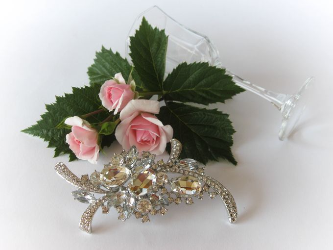 BRIDAL CRISTAL BROCHES by Pamela Falli - 005
