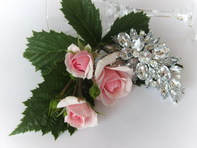 BRIDAL CRISTAL BROCHES by Pamela Falli - 018