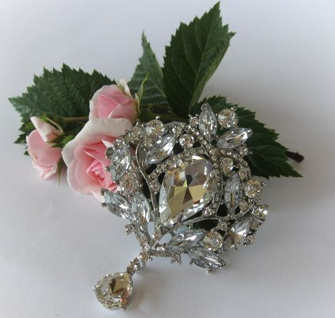 BRIDAL CRISTAL BROCHES by Pamela Falli - 004
