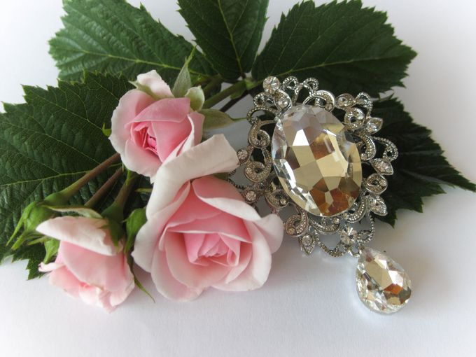BRIDAL CRISTAL BROCHES by Pamela Falli - 009
