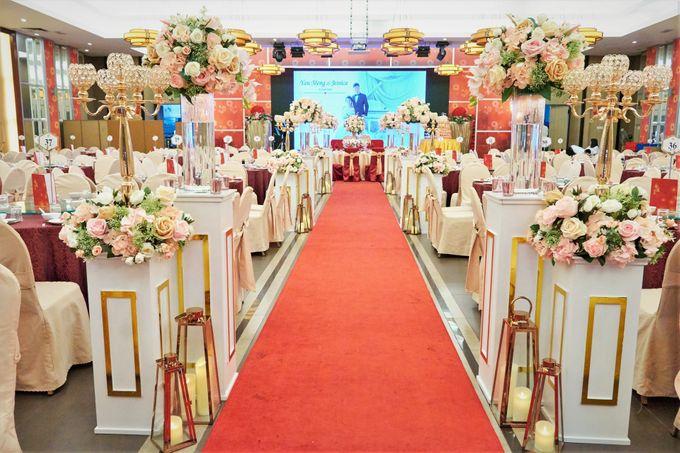 Blush Pink & Glamorous Gold Wedding by Glitz&Glam Studiobooth - 010