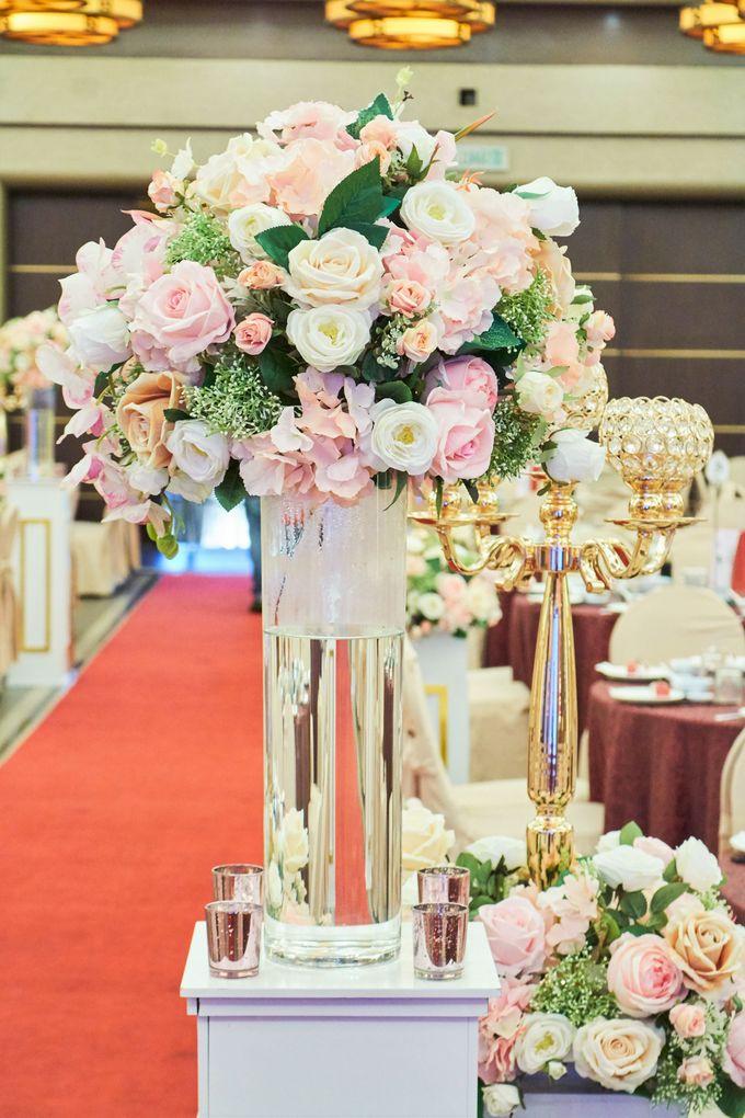Blush Pink & Glamorous Gold Wedding by Glitz&Glam Studiobooth - 014