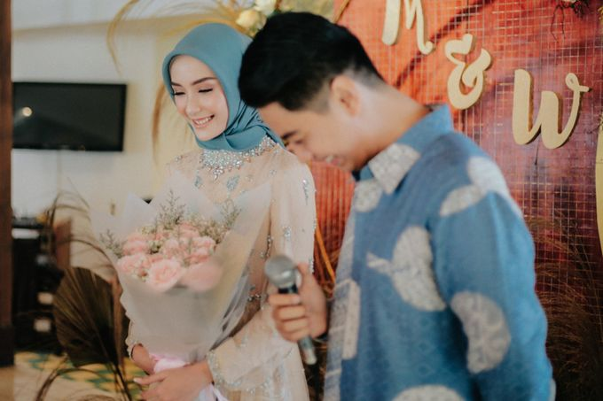 The Engagement of Melly & Wisnu by alienco photography - 003