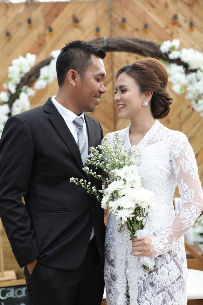 The Wedding of Supri & Delvi ❤️ by Favor Brides - 017