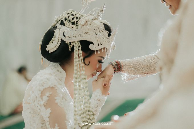 Traditional Wedding Kania & Radit by alienco photography - 022