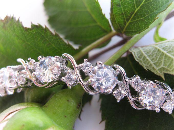 Bridal Bracelets by Pamela Falli - 010