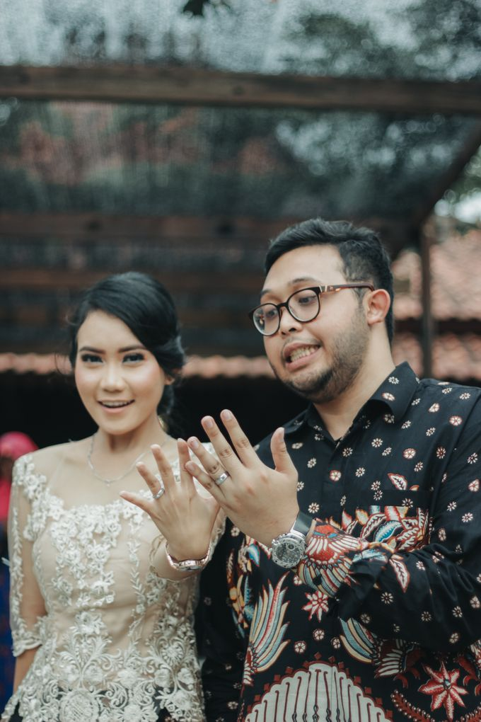 Engagement Mr.A and Mrs.S by Lingkar_portrait - 004