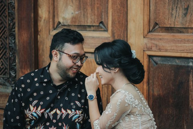 Engagement Mr.A and Mrs.S by Lingkar_portrait - 005