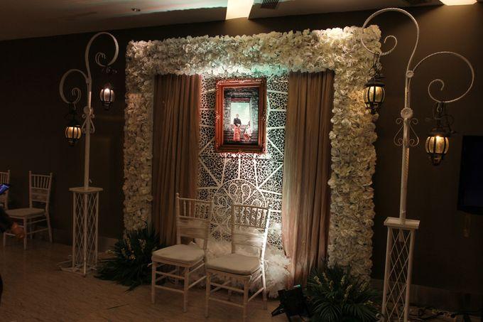 Elegant-Javanese wedding decoration by Menara Top Food Alam Sutera - 002