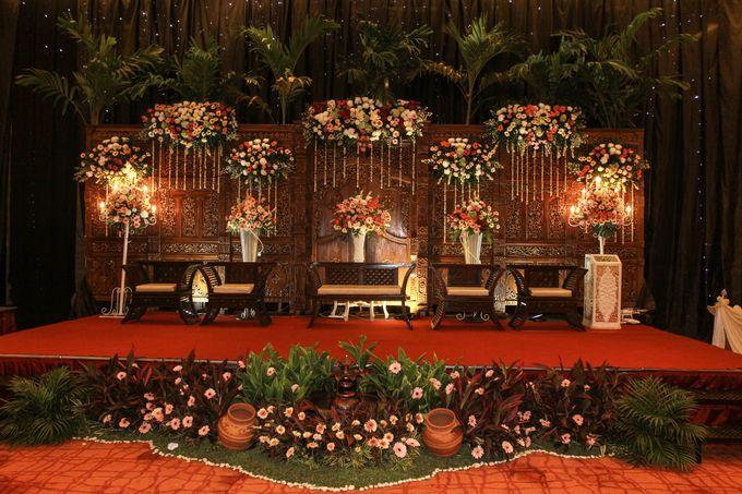Elegant-Javanese wedding decoration by Menara Top Food Alam Sutera - 005