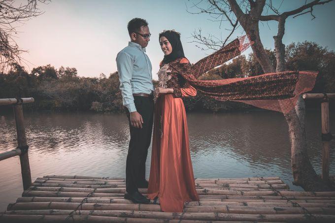 Prewedding of Aris and Devi by Khoironi Syifa - 001