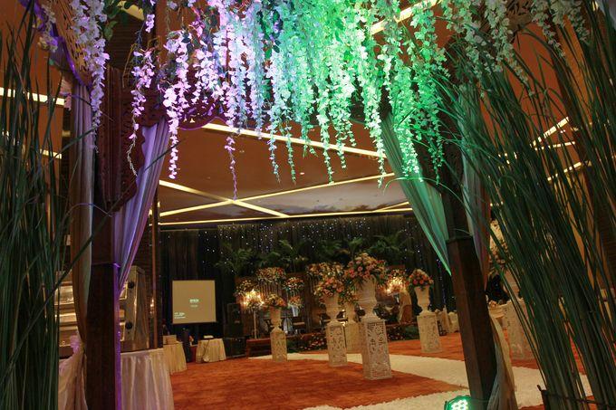 Elegant-Javanese wedding decoration by Menara Top Food Alam Sutera - 007