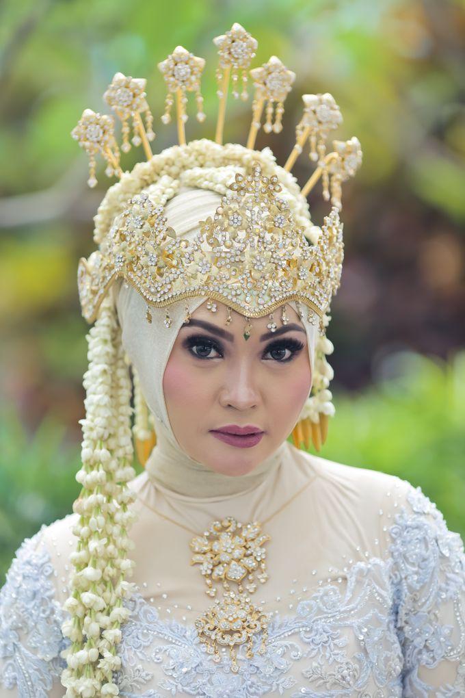 Sunda Hijab Siger by Arum Ndalu Sanggar Rias Pengantin - 005