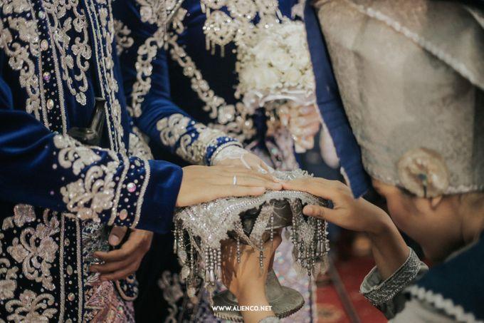 The Wedding Of Fara & Alief by alienco photography - 005