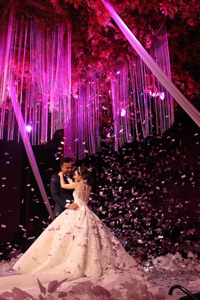 The Wedding of William & Caroline by The Trans Resort Bali - 001