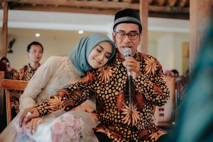 The Engagement of Melly & Wisnu by alienco photography - 007