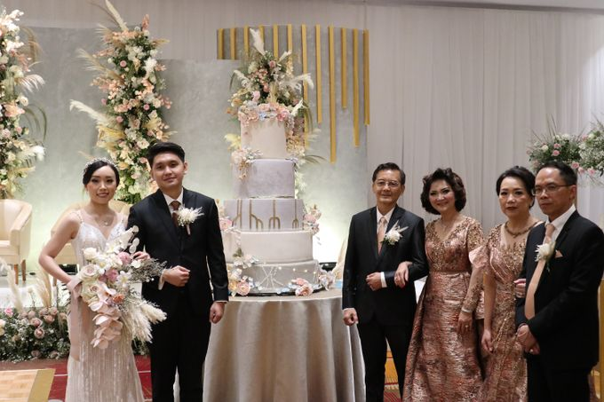 Wedding of  Andre and Stella by Holiday Inn & Suites Jakarta Gajah Mada - 008
