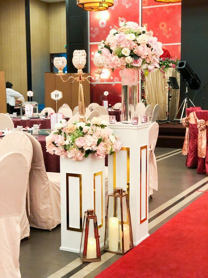 Blush Pink & Glamorous Gold Wedding by Glitz&Glam Studiobooth - 017