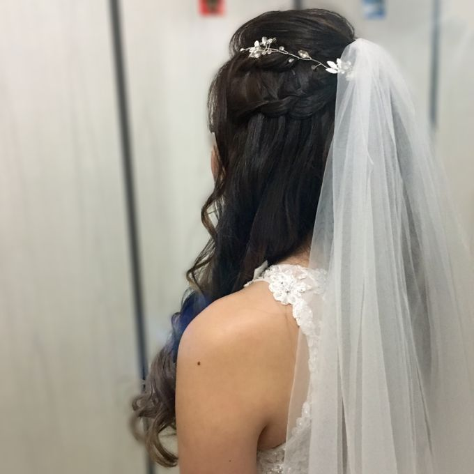 Romantic Floral Rustic Half up Half Down Hairstyles by Sylvia Koh Makeup and Hairstyling - 016