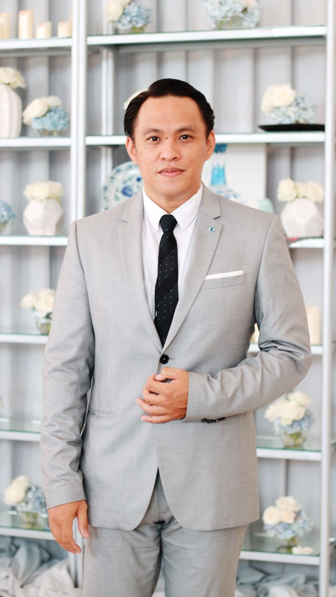 Dion Edward for Intimate Engagement & Holy Matrimony of Teguh & Yolanda by LOL Talents - 001