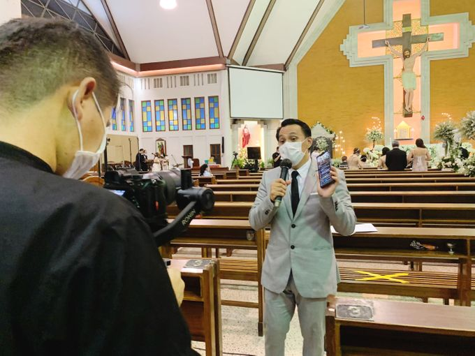 Dion Edward for Intimate Engagement & Holy Matrimony of Teguh & Yolanda by LOL Talents - 004