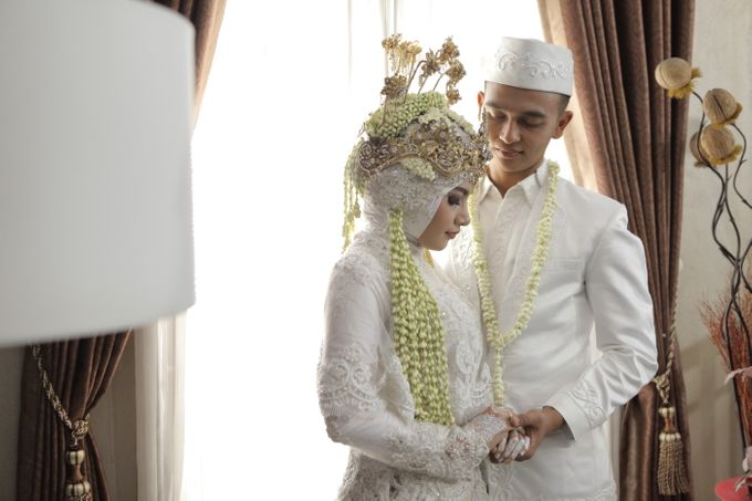 Wedding Day Dhema & Maifal by Coklat Photo Surabaya - 003